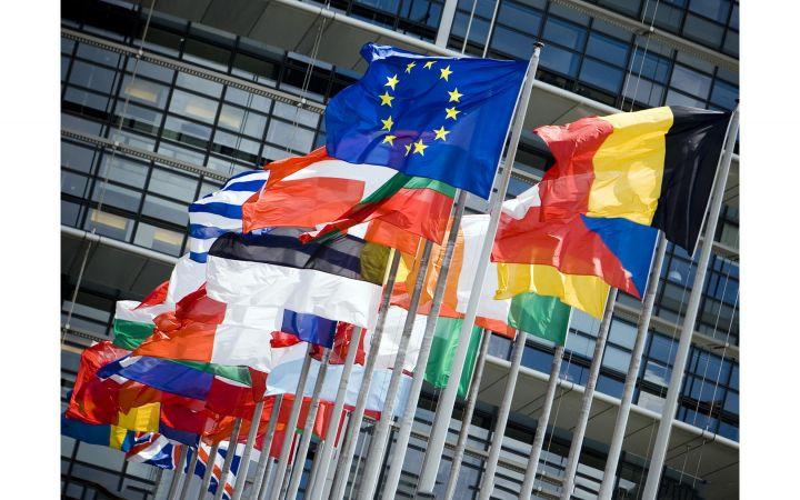 Neue EU-Regeln verringern den Verwaltungsaufwand für im EU-Ausland lebende oder berufstätige Bürger