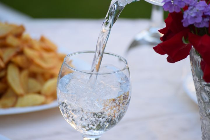 Neues technischeы Regelwerk 044/2017 Über die Sicherheit von Flaschenwasser verabschiedet